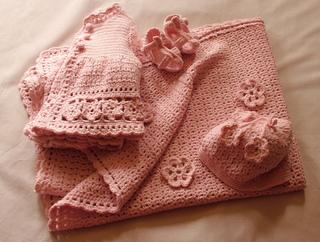 Ravelry Daisy Daisy Crochet Baby Set Pattern By Tina Egleton