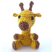 Amigurumi_giraffe_featured_image_small_best_fit
