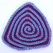 Triangular_crochet_coaster_featured_image_small_best_fit