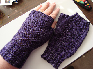 Swan_maiden_mitts_redux2_small2