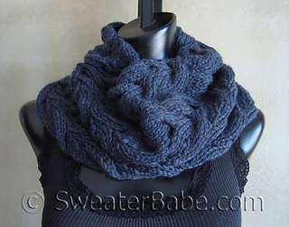 Luscious_cabled_cowl3_500_small2