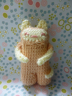 https://www.ravelry.com/patterns/library/pocket-pal-robot-kitty-amigurumi-plushie