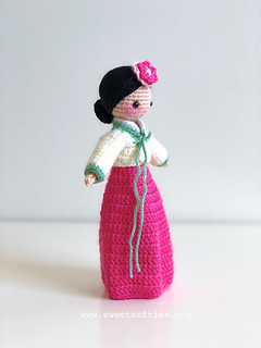 http://www.sweetsofties.com/2018/02/korean-hanbok-doll-hana-darling-dolls.html