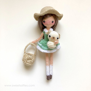 https://www.sweetsofties.com/2019/07/sierra-summer-doll.html