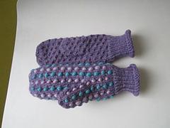 Stuffed_mitts_women_s_small
