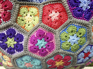 African_flower_bag_8900_small2