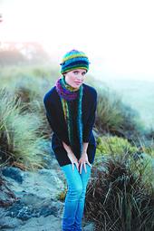 Sara_shawlette_small_best_fit