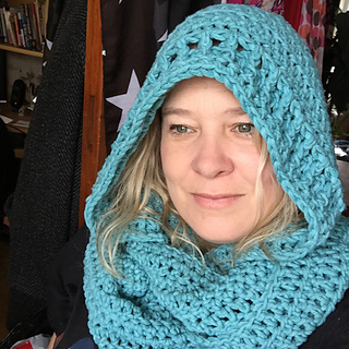 Ravelry: The Lucy Hooded Cowl pattern by Shannon Kilmartin/The Hookeraholic C...
