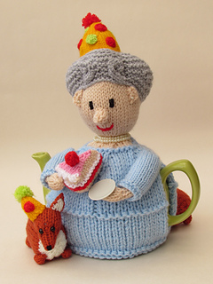 Ravelry Queens 90th Birthday Tea Cosy Pattern By Susan Cowper