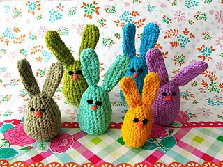 Easterbunnies_small2