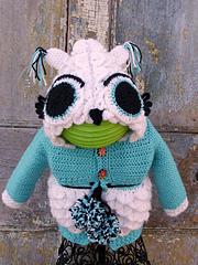 Uno_the_owl_sweater_small