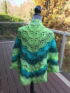 Ravelry: Fluffy Meringue Shawl pattern by Laura Jean Bartholomew