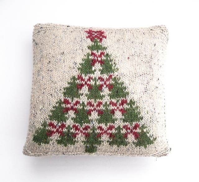 Ravelry: Fair Isle Christmas Tree charts & cushion cover pattern ...
