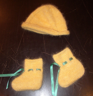 Babybooties_hat_small2