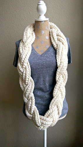 Ravelry Braided Infinity Scarf Pattern By Michelle Greenberg