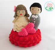 Amigurumi_wedding_cake_top_-__2015_toma_creations_4_small_best_fit