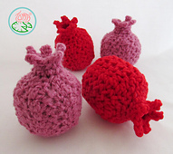 Amigurumi_pomegranates_-_2015_toma_creations_1_small_best_fit