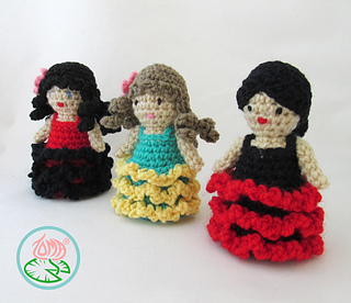 Amigurumi_flamenco_dancer_1_small2