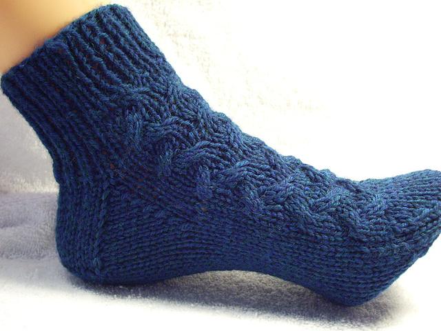 Ravelry Aran Bed Socks Pattern By Traci Heiner