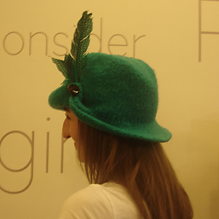 Hat_side_back_small2