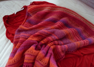 Pink_poncho_001_small2