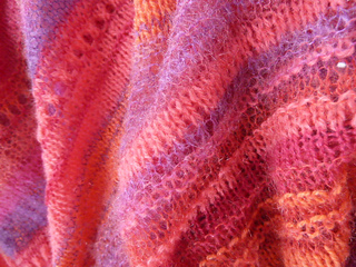Pink_poncho_002_small2