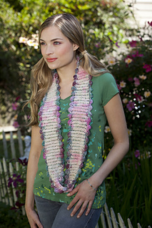 Ravelry_climbing_rose_cowl_1_small2