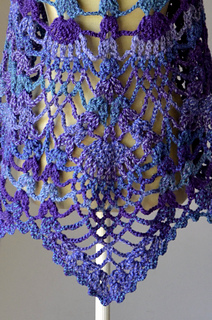 Peacock_shawl_back_pineapple_hi-res_small2