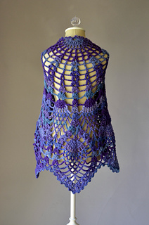 Peacock_shawl_back_hi-res_small2