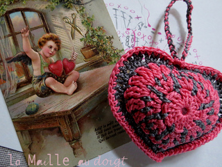 Coeur_maille_au_doigt_3_small2