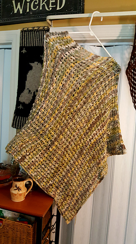 Ravelry Vickiwithnoes Mollymook Cell Stitch Poncho