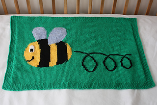 42_busy_buzzy_bumble_bee_blanket_1_small2