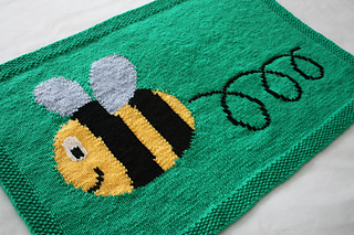11_busy_buzzy_bumble_bee_blanket_small2