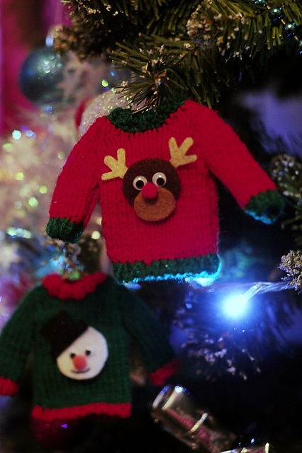 https://www.ravelry.com/patterns/library/ugly-christmas-jumper