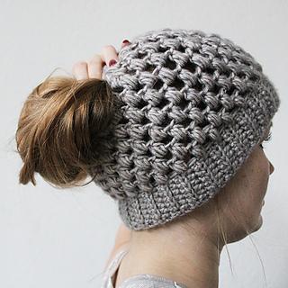 96025403543 Ravelry  PUFF STITCH BUN HAT pattern by Wilma Westenberg