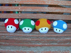 Mario_mushrooms_small