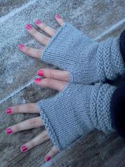 Fingerless_alpaca_mitts_small