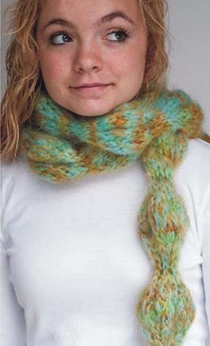 Bubble_scarf_model_medium