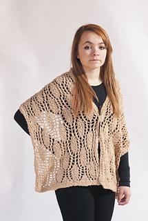 Organic_summer_shawl_model_small2