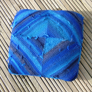 Woolsack_cushion_small2