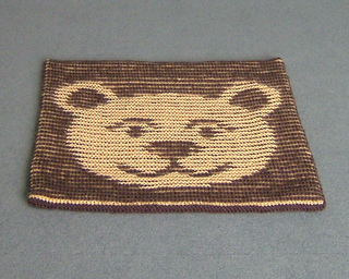 Bear_cushion_flat_800_small2