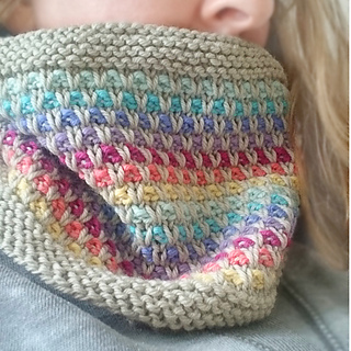 Rainbow_slip_knitted_cowl_6x6_3_small2