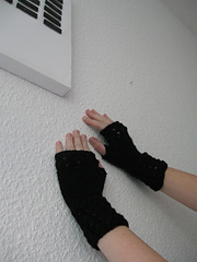 Blacklaceymitts_small