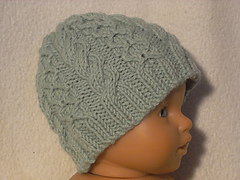 Preemie_cabled_hat_green_small