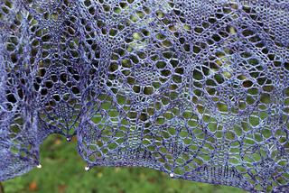 Lace_shawl_close_up_small2