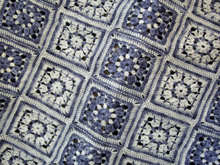 Flower_square_blanket_2_small2