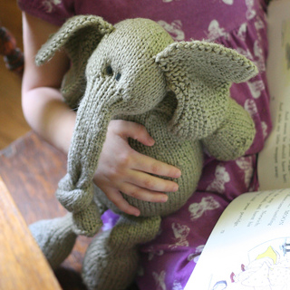 Elephantellie3_small2
