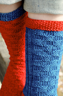 Redandbluesocks07_small2