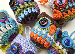 Lots_of_crochet_owls_small