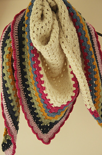 Super_warm_crochet_shawl